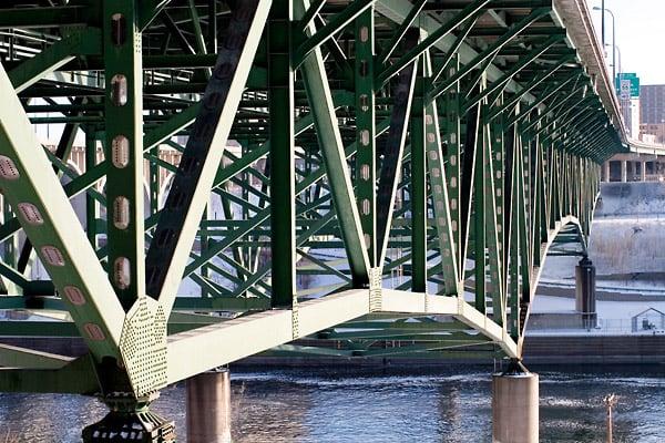 I-35W_bridge_structure_before_collapse