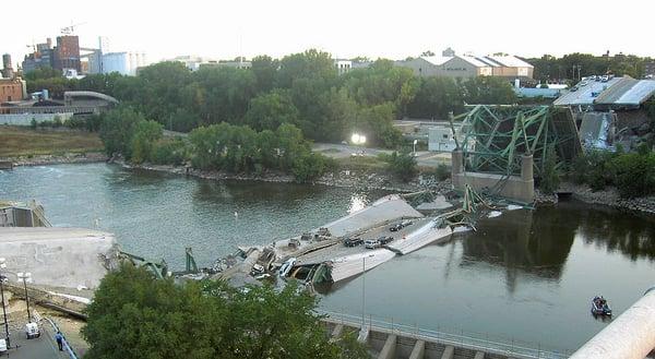 I-35_Bridge_Collapse