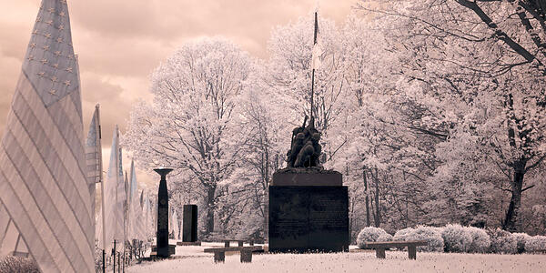 Iwo-Jima-Survivors-Memorial-Park_CT