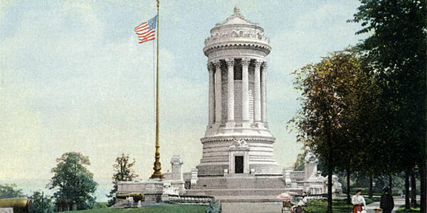 Soldiers'_and_Sailors'_Monument_1