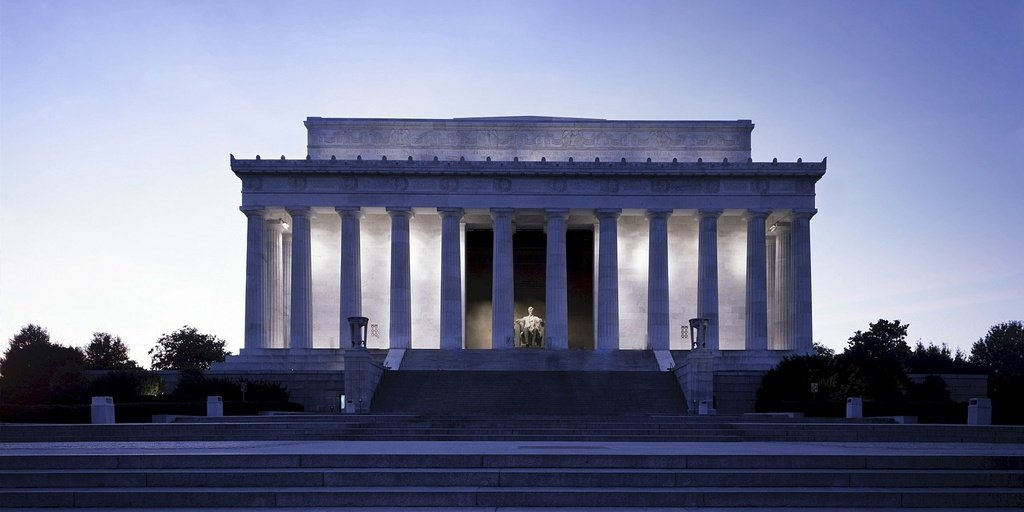 Classical architecture influences are apparent in many D.C. buildings.
